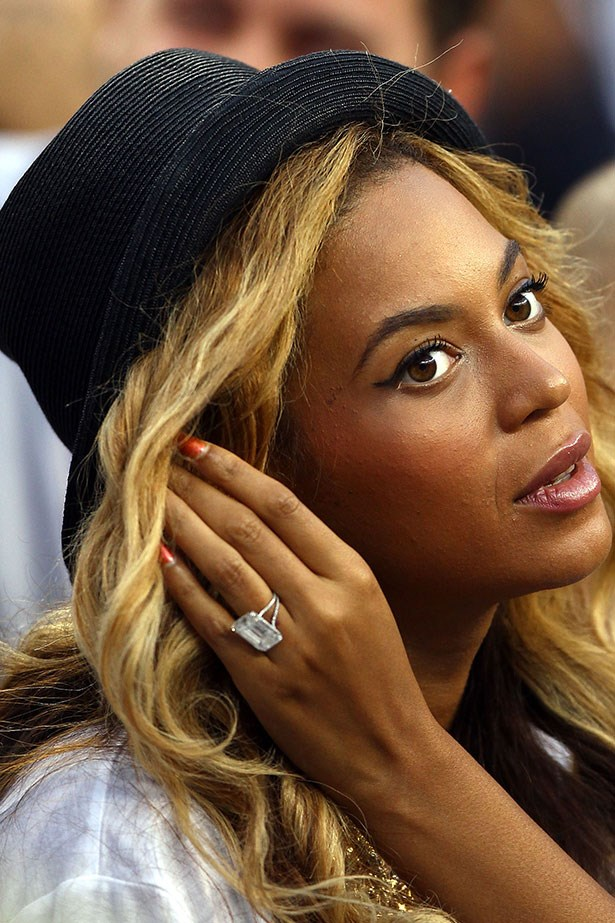 <p><strong>Beyoncé  </strong></p> <p>In 2007, Jay Z proposed with an 18-carat flawless emerald cut diamond by Lorraine Schwartz, valued at more than $5 million. Nothing but the best for Queen Bey.</p>