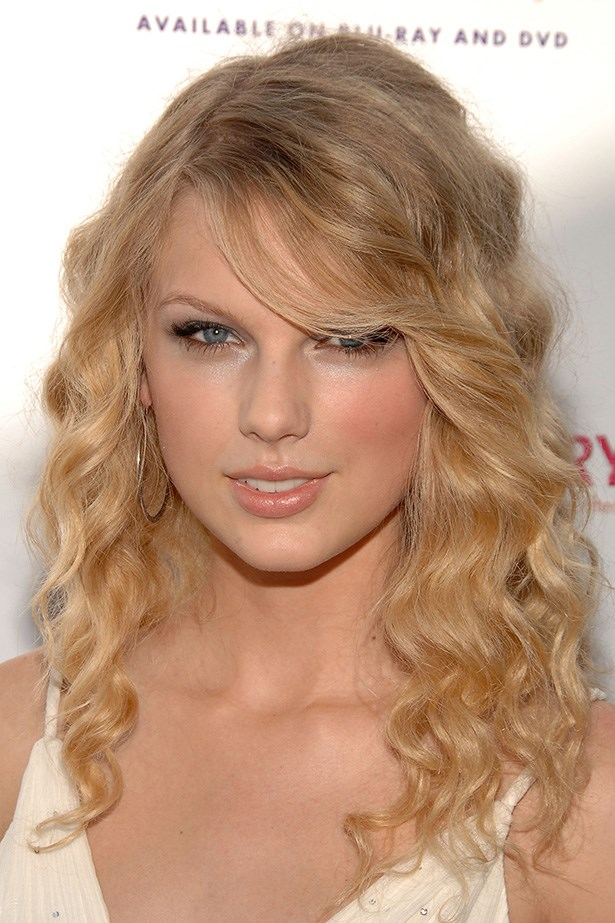At the Premiere of<em> Another Cinderella Story</em> in 2008, the country singer wore her hair in loose curls.