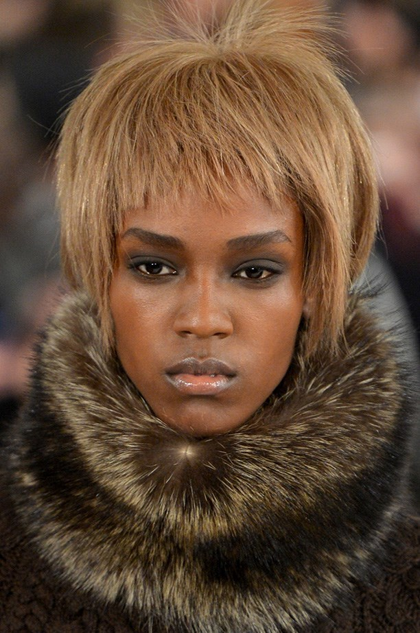 <strong>Racoon smoky eye<BR></strong> The AW14 Oscar de la Renta collection was complemented by Revlon's Global Artistic Director, Gucci Westman, who blended matte black eyeshadow around the eye socket, focusing on the lid crease.