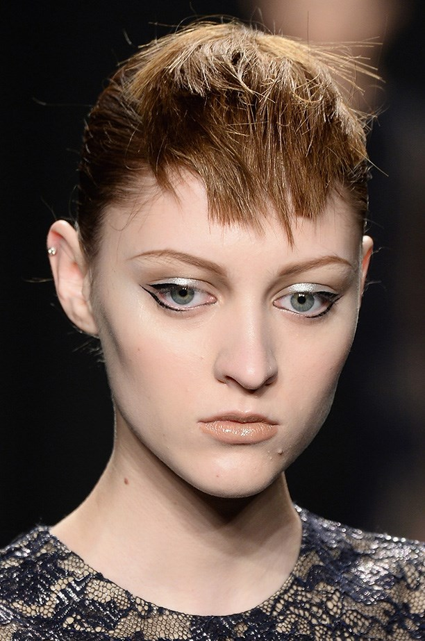 <strong>The new winged liner<BR></strong> It was all about parallel lines at the Carmen Marc Valvo show – the futuristic liquid eyeliner.