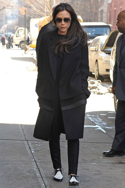 Victoria Beckham pounded the snowy pavements of New York City in a pair of black and white and fabulous-all-over brogues.