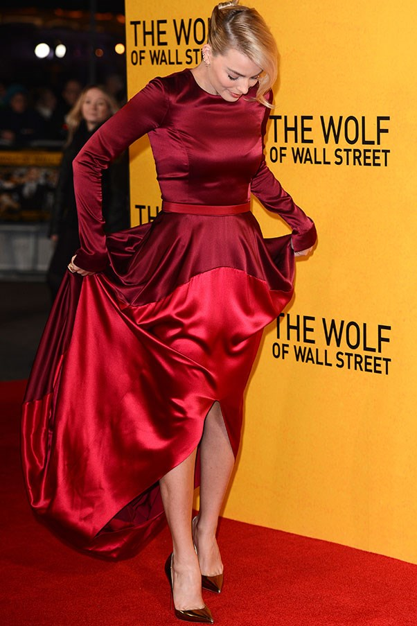 In London at the Wolf Of Wall Street premiere, Margot dared to try colour in this scarlet, billowing Oscar de la Renta frock.