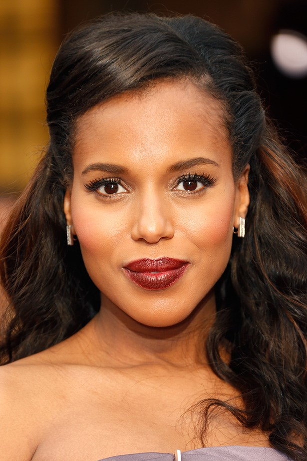 Mother-to-be, Kerry Washington wow-ed with a burgundy lip on the red carpet. Washington kept the rest pretty and simple with lush false lashes, and a touch of blush.