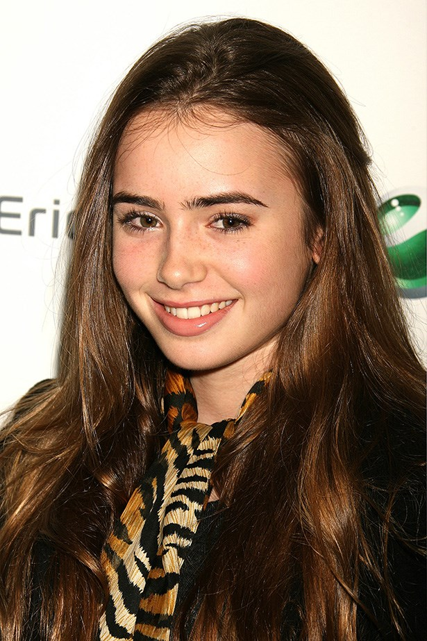 Photographed arriving at a fashion show in 2006, the then-17-year-old wore her glossy mane out, with a touch of gold eyeshadow.