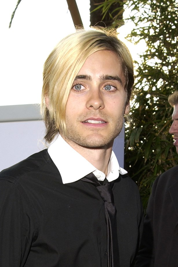 Leto worked a white-blonde asymmetrical 'do in 2002.