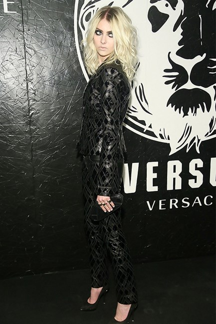 Taylor Momsen gothic rock-chic eye makeup and black suit