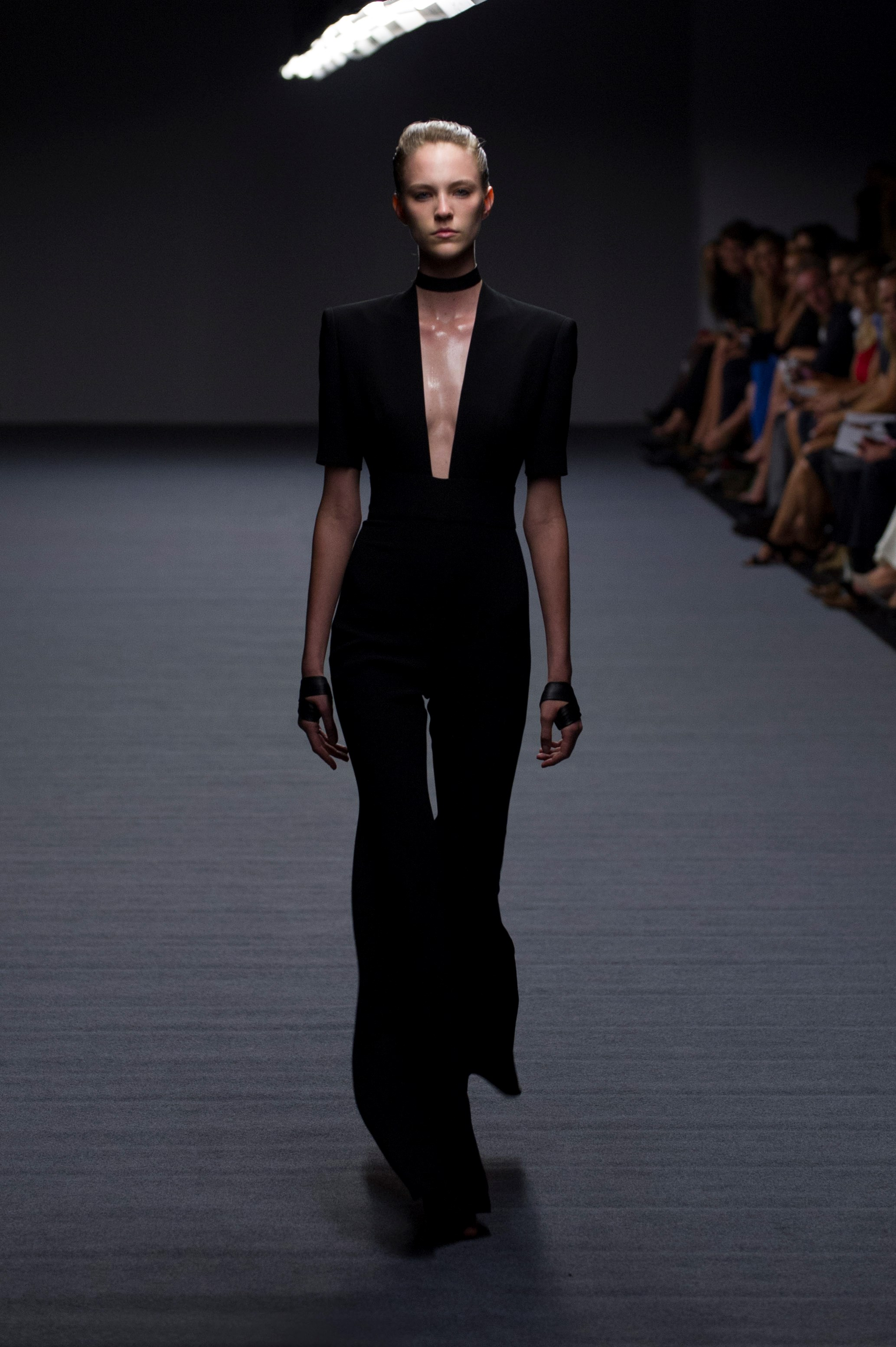 A sexy, yet understated look at Carla Zampatti SS14 <br> <br> Photography: Ken Butti <br><br>