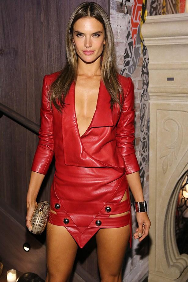 Alessandra Ambrosio to walk for Alex Perry
