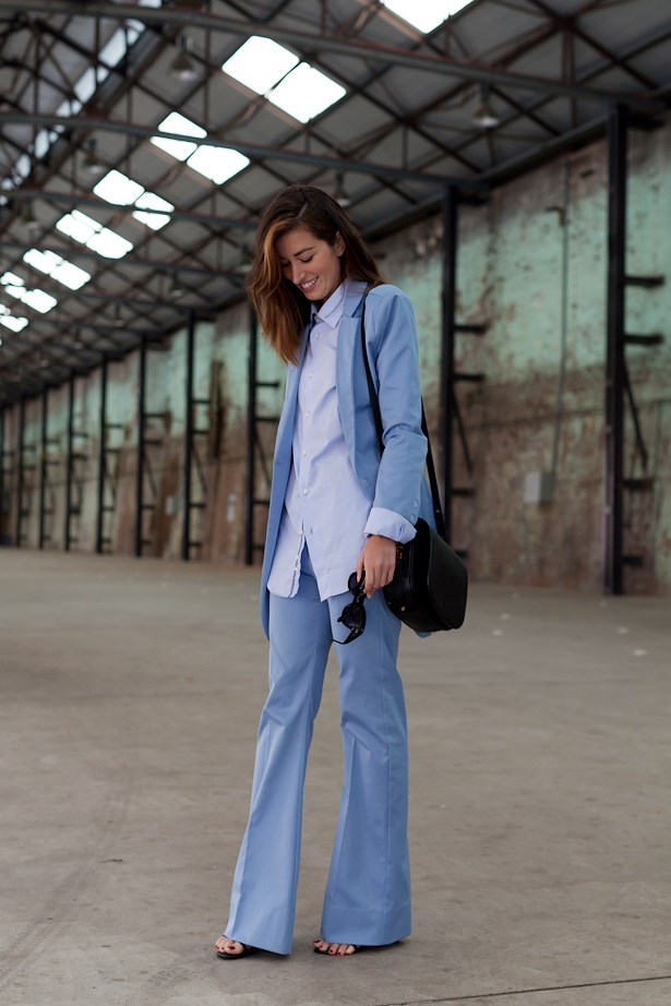 Carmen Hamilton wears Hansel and Gretal suit, Zara shirt and Dylan Kain bag.