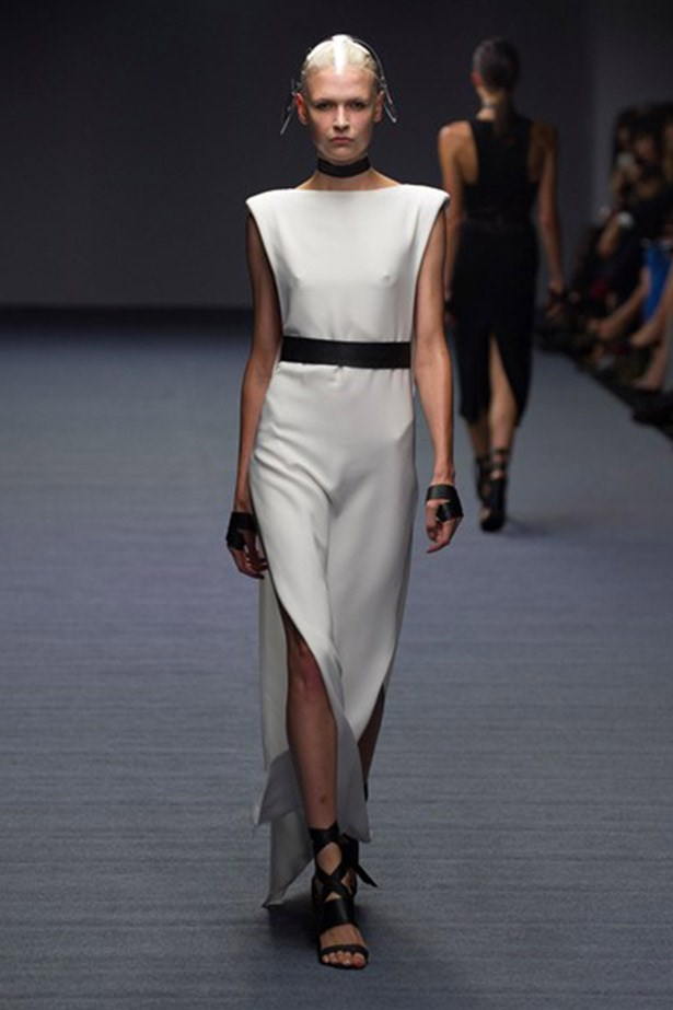 We would love to see this white, sculptural dress by Carla Zampatti on Catherine while she was in Sydney.
