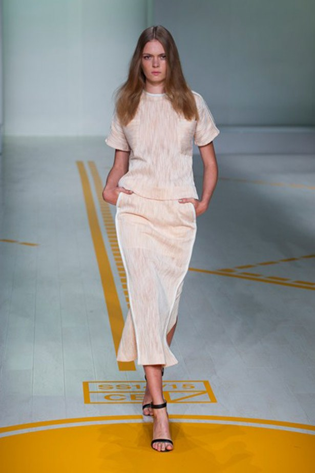 This look by Christoper Esber is definitely demure and luxurious enough for royalty and the pink tones are so on trend.