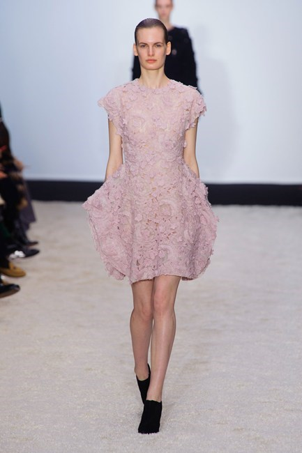 Dusty pinks always prevail for the feminine bride at Giambattista Valli AW14-15