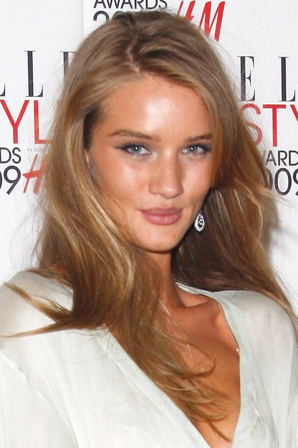 A younger Huntington-Whiteley attends the 2009 Elle Style Awards with a flick of mascara and brushed-up brows.