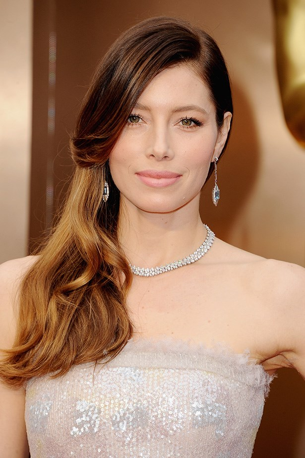 Walking the red carpet at the 86th Annual Academy Awards, Jessica Biel sported a Kate-worthy blow-out.