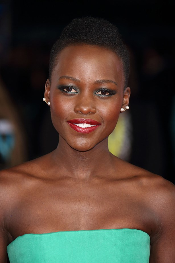 Lupita  Nyong'o adorned her lobes with two small pearls on each ear.