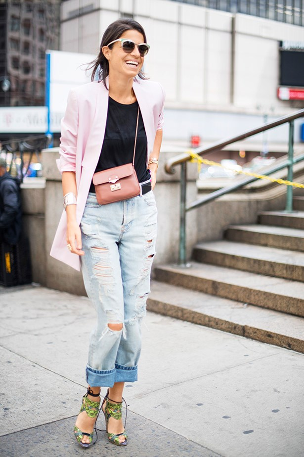 "<p>""High-cut mum jeans get a modern update when paired with a pretty pastel-pink boyfriend blazer and cross-body bag."" </p>"