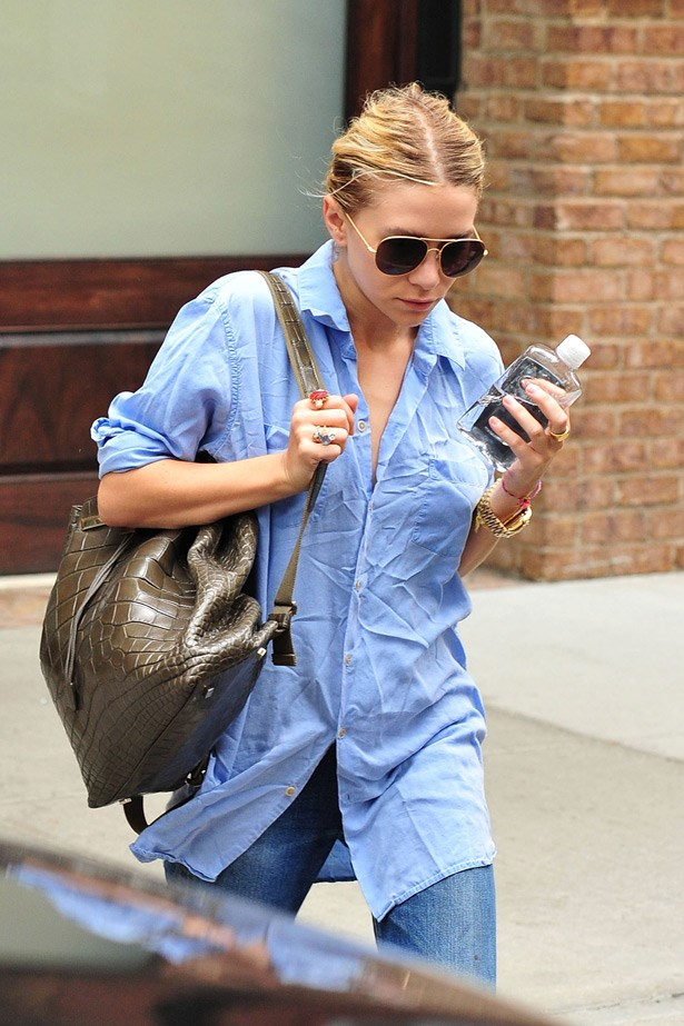 Even with a crushed shirt, Ashley Olsen's simple take on the trend is easy and uncomplicated. Mind you, that is a $34,000 The Row backpack on her shoulder...
