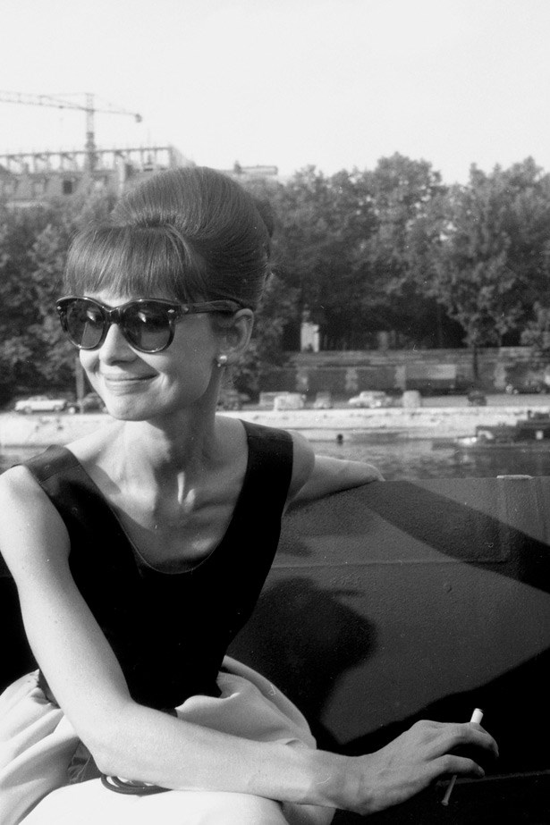 Audrey Hepburn filming <em>Paris When It Sizzles</em>, Paris 1962