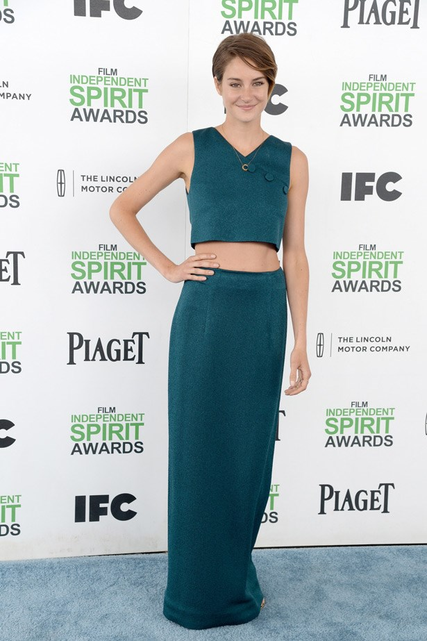 Divergent star Shailene Woodley's column skirt and top adds height and flatters her boyish figure.