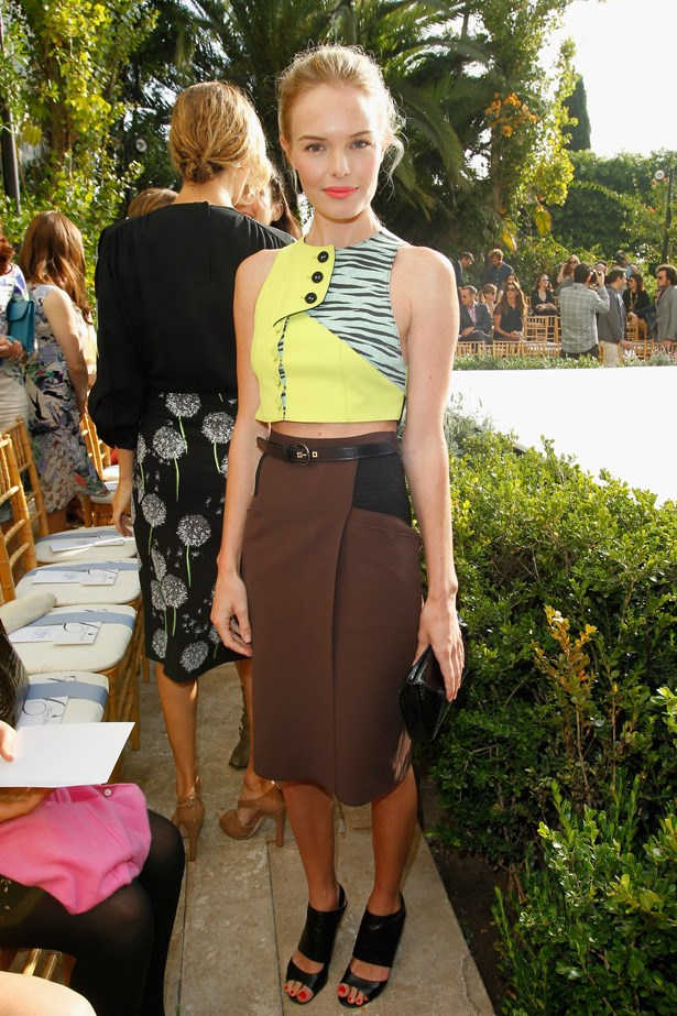 Proving she can do no wrong, Kate Bosworth shows us that the trend doesn't have to be matchy-matchy. Her secret? Simple accessories and colour balance.