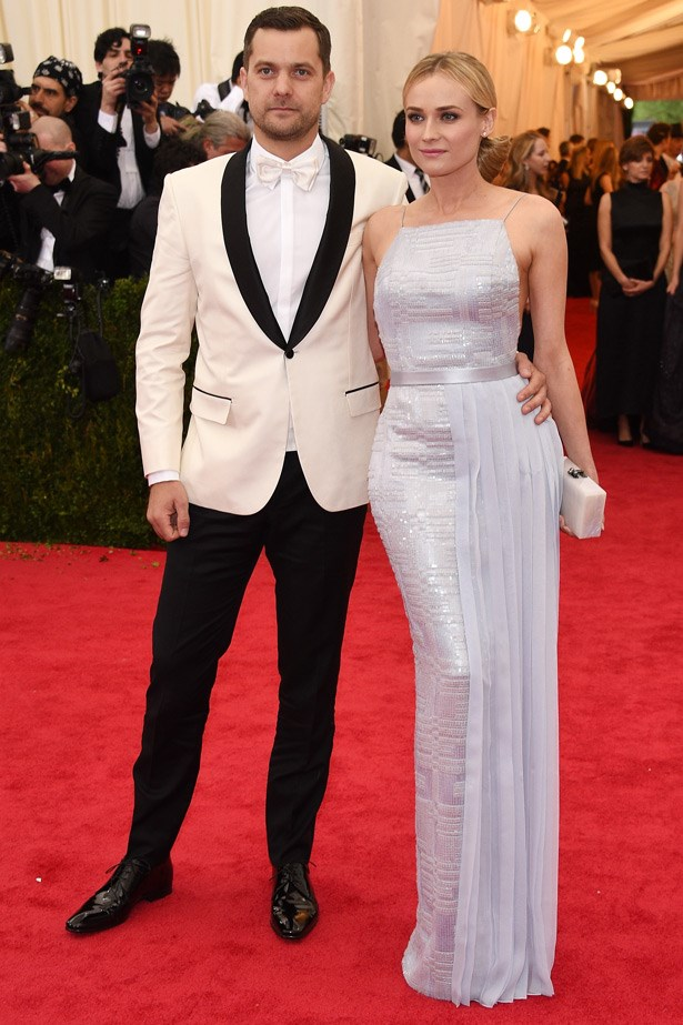 It-couple Diane Kruger and Joshua Jackson looked the part in Jason Wu for Hugo boss. We would expect no less...