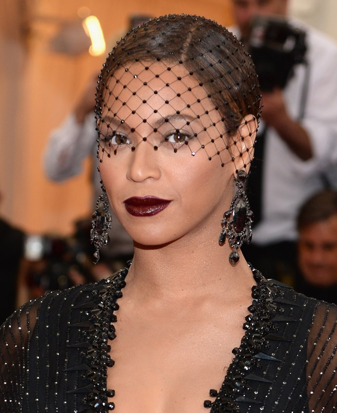 Beyoncé wearing Givenchy Haute Couture custom dress with Philip Treacy headwear and Lorraine Schwartz jewellery featuring over 200 carats of black diamonds.