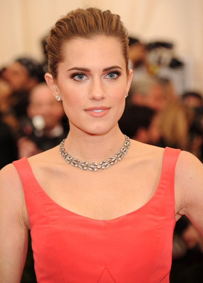 Allison Williams wearing Oscar de la Renta gown with Fred Leighton jewels and heels by Brian Atwood.