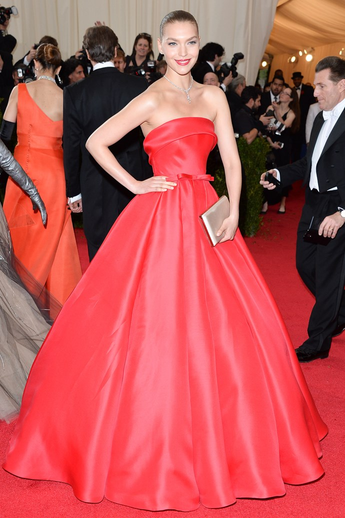 <strong><em>The Nobel Prize For Defying All Logic</em>: Arizona Muse</strong><br><br> We're still scratching our heads as to how Muse wore a Ralph & Russo gown in the exact tone of the red carpet and still resembled nothing short of a sartorial goddess.
