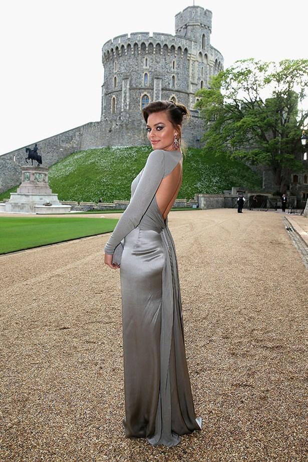 Margot Robbie wearing Ralph Lauren Collection grey light jersey evening dress, Ralph Lauren Fine jewelry new romantic earrings in amethyst and Ralph Lauren Collection sandals