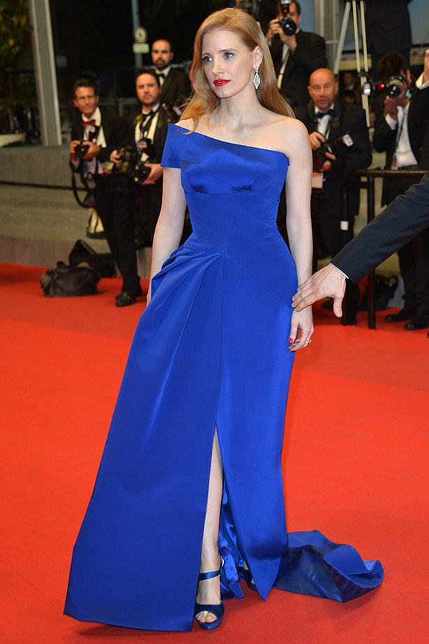 At the premiere of <em>The Disappearance of Eleanor Rigby</em>, Jessica Chastain wow audiences and photographers in this electric blue Atelier Versace gown.