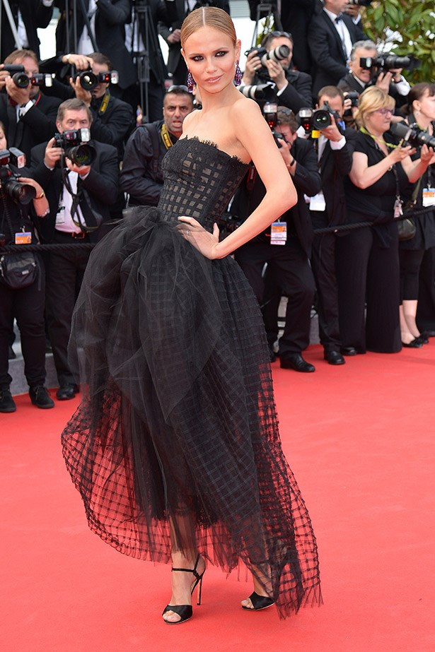 Another standout look at the <em>Saint Laurent </em>premiere, Cannes veteran, Natasha Poly opted for this interesting lattice gown by Oscar de la Renta.
