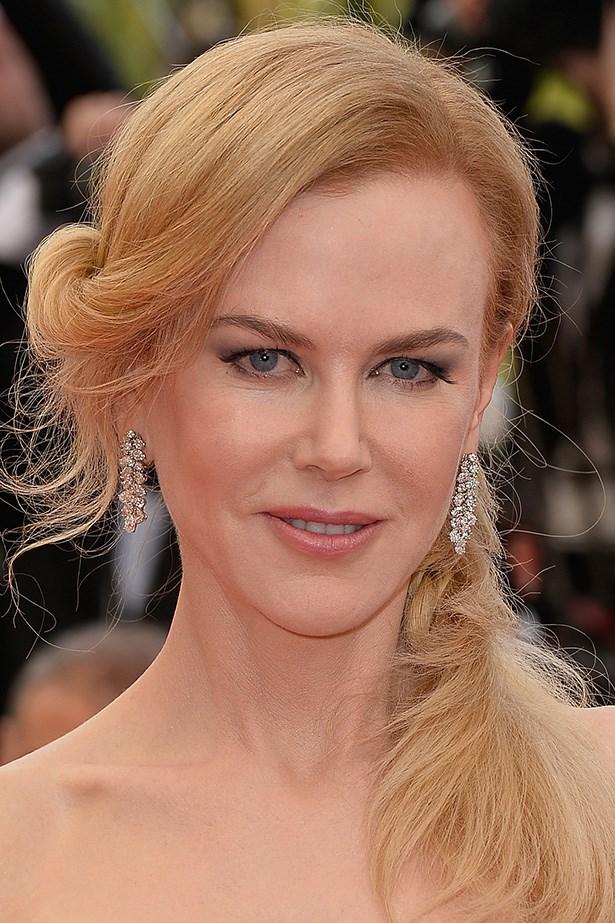 Leading lady, Nicole Kidman wears a feminine side-swept braid and a soft, winged smoky eye at the premiere of her new movie, <em>Grace of Monaco</em>.