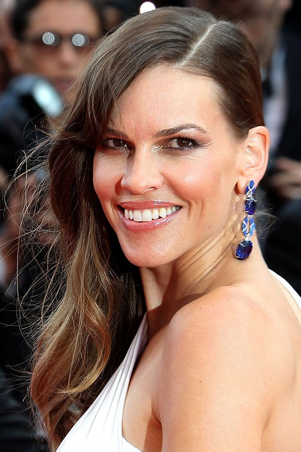 At the premiere of <em>The Homesman</em>, Hilary Swank combines a glossy lip with loose, Old-Hollywood waves.