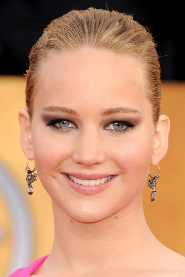 The blockbuster star wears her golden hair slicked back at the 2011 Screen Actors Guild Awards.