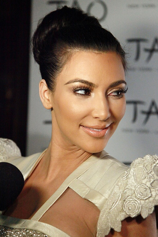 "We love this soft, shimmery eyeshadow used to highlight Kim's browbone and the highlighter swept softly over her cheeks. Subtle, but beautiful. <br><Br> Related Links: <br> <a href=""http://www.elle.com.au/beauty/trends/2014/5/beauty-tips-from-celebrity-preppers/"">Celebrity preppers spill their secrets</a>"