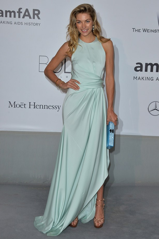 Jess Hart looking radiant in mint.