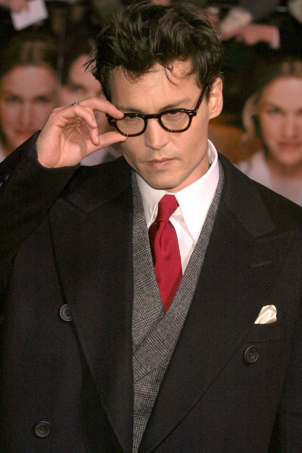 If only Harry Potter looked more like this... Johnny Depp in his now-signature frames at the London premiere for <em>Neverland</em> in 2004.