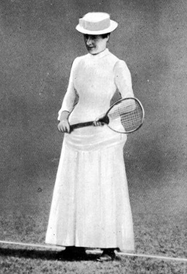 <strong>1884: The fashion set <BR></strong> In 1884, the first female Wimbledon champion Maud Watson wore a corsetted dress with a sweeping skirt and hat.