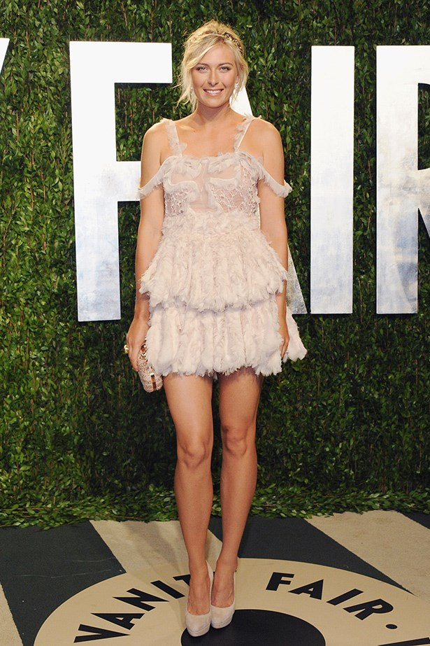 We love this flirty number Sharapova wore to Vanity Fair's Oscar ball.