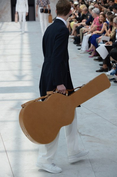 <strong></strong>Designer: Louis Vuitton<br> <strong></strong>Season: SS15<br> <strong></strong>Why we love it: It's a classic tan leather, enough said
