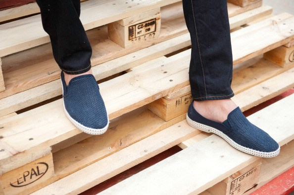 <strong></strong>Designer: Commune De Paris<br> <strong></strong>Season: SS15<br> <strong></strong>Why we love it: light weight and comfortable these canvas shoes go with any outfit on the casual man