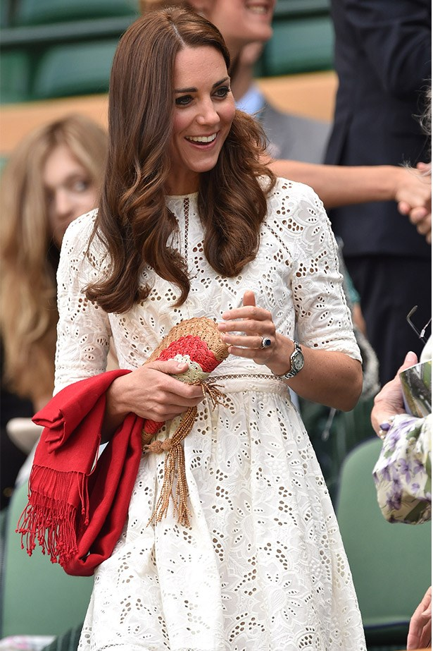 Sitting courtside, Catherine wore the dress with a straw clutch and red pashmina.