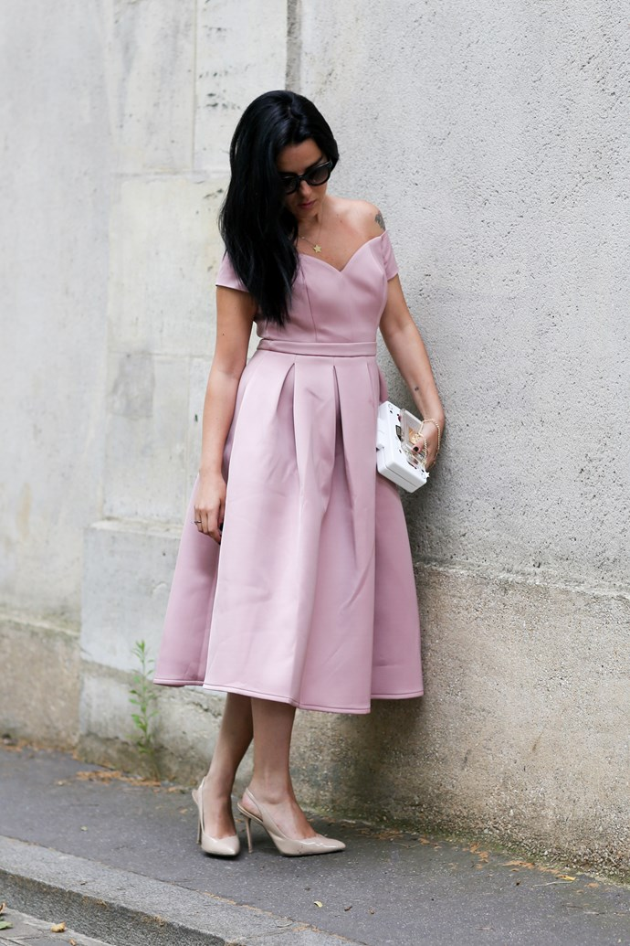 For all the trainers, sneakers and flats, it's nice to see that ladylike dressing never dies. We love the simplicity in this pale pink and nude look.