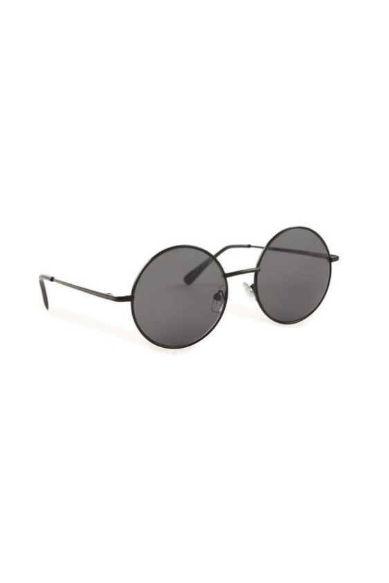 "Sunglasses, $14.95, Cotton On, <a href=""http://www.cottonon.com"">cottonon.com</a>"