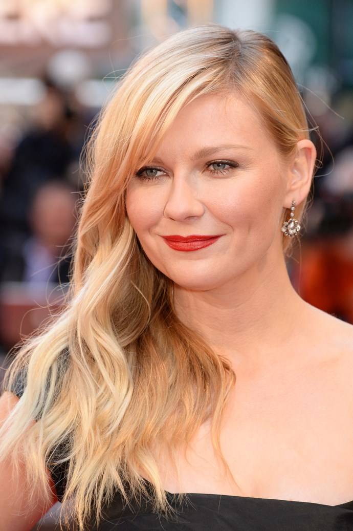 <strong>THE NEW GLAMAZON (LONG AND LENGTHY)</strong><BR><BR> Kirsten Dunst <br><br> It's a little bit '80s, a little bit '00s and a whole lot of hair. The new glamazons part their hair on the side and let it all hang down messy. If your style muse has always been of the Victoria's Secret persuasion – long and sexy; try this layered, sultry, side-parted style.