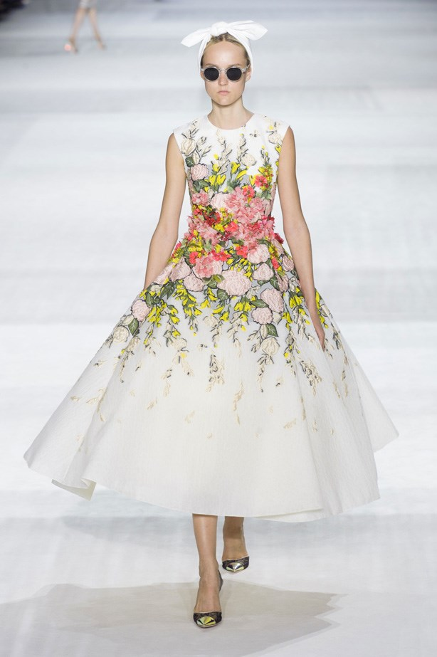 <strong>Giambattista Valli Haute Couture AW14-15</strong><br> <strong>Who should wear it:</strong> Lena Headey (Game of Thrones)