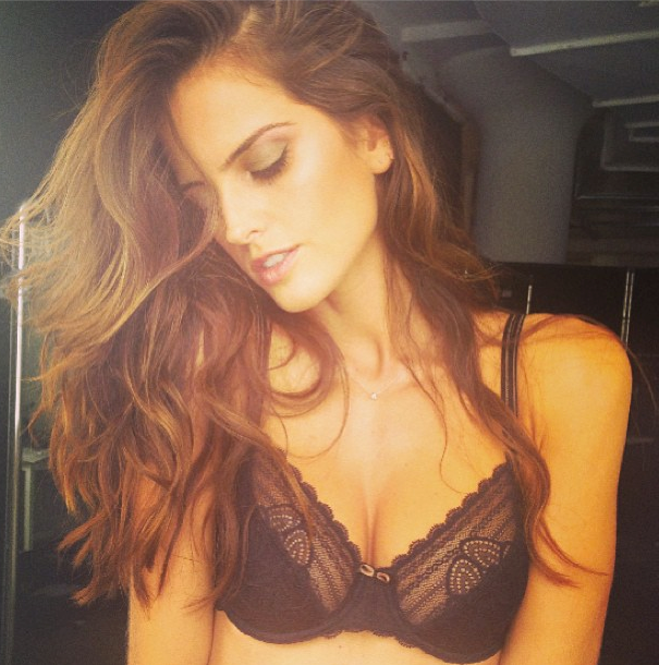 """In studio today getting that summer Glow ... Lets do it... I'm so ready for the first picture of the day... Beauty by @liano212 #atwork #photoshoot #lingerie #summer #glow #feminine #lifeasaphoto"" <br><br> Instagram: @Iza_goulart"