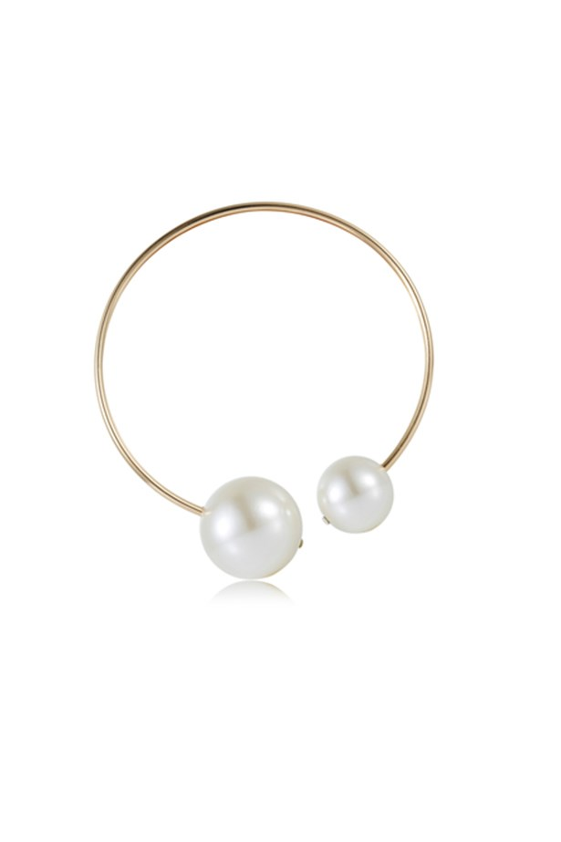 "Pearl necklace, $50, The Dark Horse, <a href=""http://www.thedarkhorse.com.au/products/NECKLACES/PRE-ORDER-SEPTEMBER----DOUBLE-PEARL-NECKLACE---WHITE-LABEL-featuring-MODERN-LEGACY"">thedarkhorse.com.au</a>"
