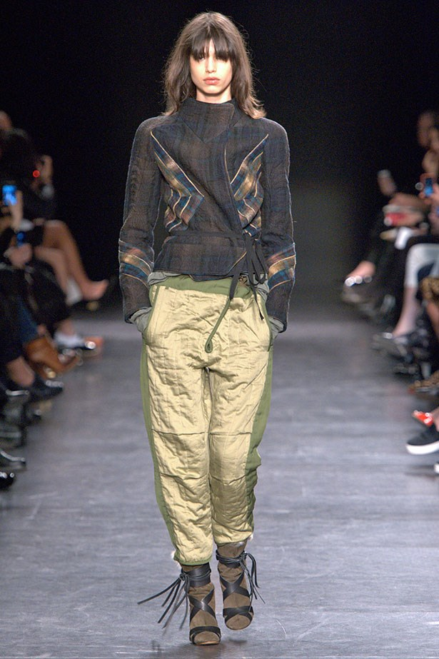 <strong>Performance pants</strong><br><BR> Be comfy, trendy and highly visible in Isabel Marant's metallic track pants.