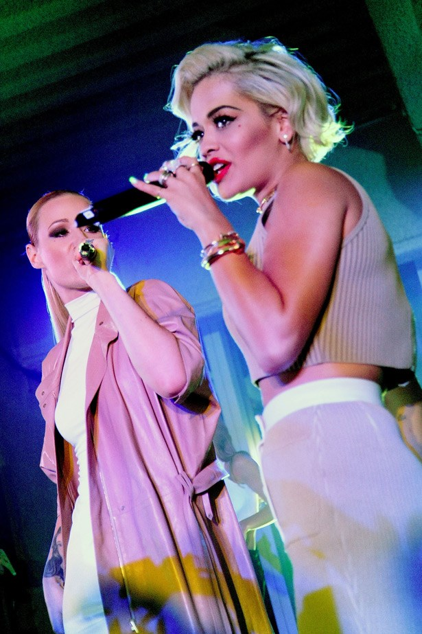 Iggy Azalea and Rita Ora hit the stage for a special performance of 'Black Widow'